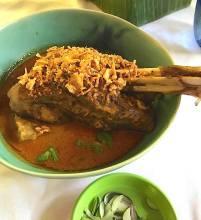 Issaya Curry