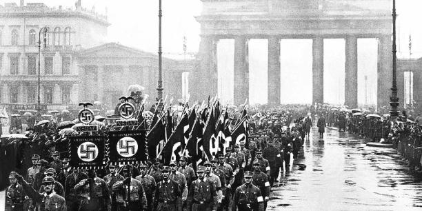nazi-march-in-the-rain-brandenburg-gate-berlin-germany-march-4-1933-david-lee-guss